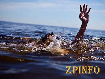 Два жителя Запорожья едва не утонули в море