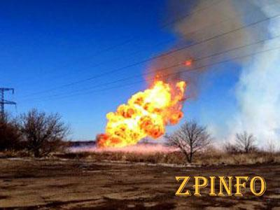 Из-за обстрелов Авдеевки загорелся  газопровод (Видео)