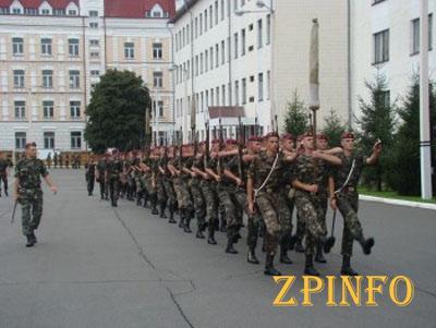 Из Запорожья в президентский полк отправятся лучшие призывники