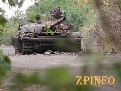 К Мариуполю подбираются танки