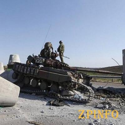 """Мариуполь готовится к штурму, а войска РФ стягивают """"Грады"""""""