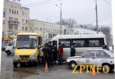 На маршрутах Запорожья выявили 128 нелегалов