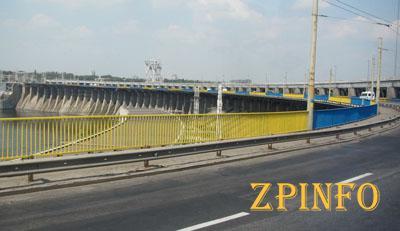 На ремонт проезжей части ДнепроГЭСа выделили более 6 млн. грн.
