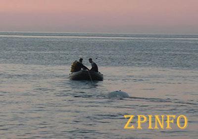 На запорожском курорте подростков унесло в море