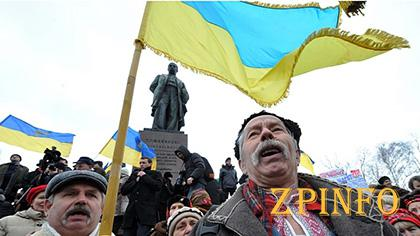 Не Восток кормит всю Украину, а преподаватель, врач, студент и пенсионер