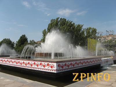Перед Днем Независимости на фестивальной запустили фонтан