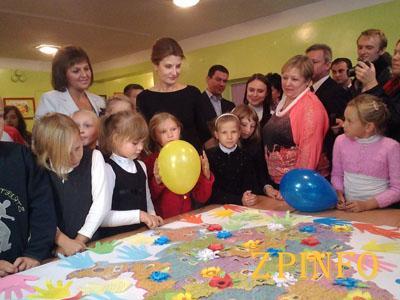 Первая леди страны приехала в Запорожье (Видео)
