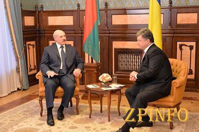 Порошенко пообещал Беларусии наладить отношения с ЕС (Видео)