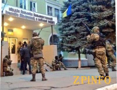 Сепаратистам не удается удерживать захваченные здания