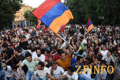 Россия увидела в протестах в Армении американский след
