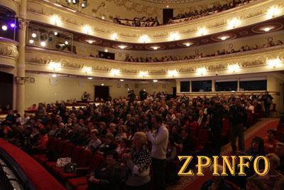 Театр Магара приглашает запорожцев на праздничный концерт