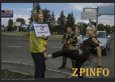 В Донецке женщину привязали к столбу, а потом начали издеваться