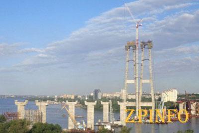 В этом году обещают достроить мосты через Хортицу