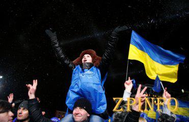 В Киев на поддержку съезжается люди со всей Украины