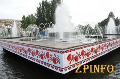 В месяц на содержание фонтана город тратит 82 тыс. грн.