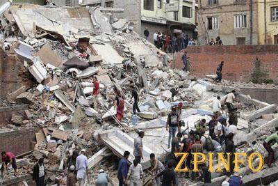 В результате землетрясения в Непале погибло 7,3 тыс. человек (Видео)