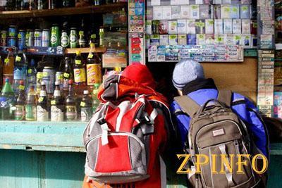 В центре Запорожья несовершеннолетним продают алкоголь