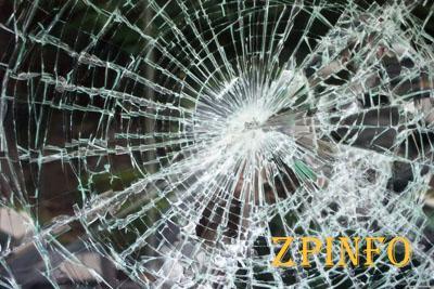 В центре Запорожья злоумышленники разбили витрину магазина