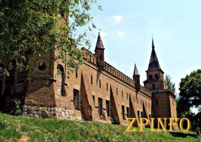 В замке Попова на 8-летнего ребенка упал могильный крест