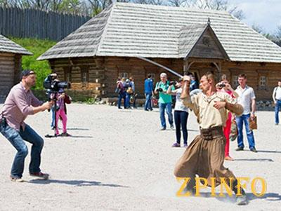 В Запорожье 1 мая британцы завершили съемки фильма о Хортице
