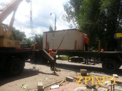 В Запорожье демонтировали еще один незаконный МАФ