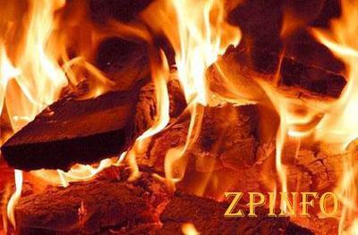 В Запорожье два десятка пожарных боролись с огнём