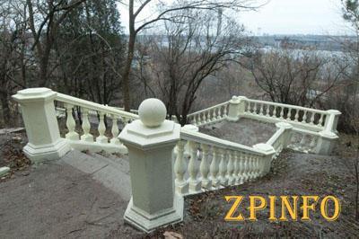 В Запорожье Хортицкую лестницу реконструировали 2 раз за полгода