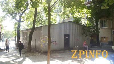 В Запорожье хотят снести павильон на пр. Ленина