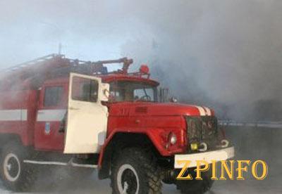 """В Запорожье из-за пожара на правом берегу образовалась большая """"пробка"""""""