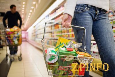 В Запорожье люди украли из магазина продукты