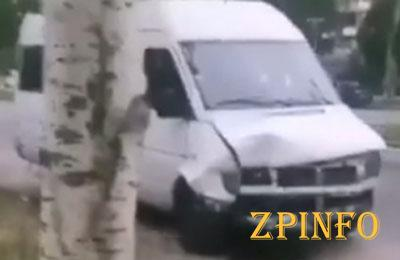 В Запорожье маршрутка попала в ДТП