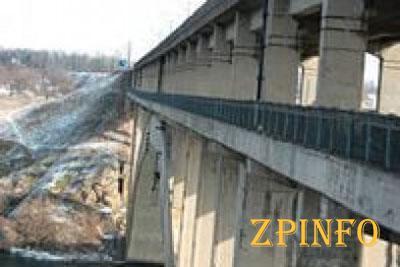 В Запорожье мужчина покончил с собой, спрыгнув с моста