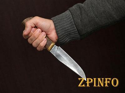 В Запорожье мужчина порезал продавщицу в киоске