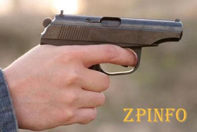В Запорожье мужчина угрожал таксисту пистолетом