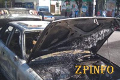 В Запорожье на Анголенко сгорел автомобиль