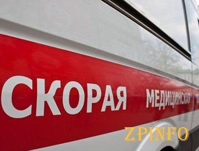 В Запорожье на перекрестке авто сбило женщину