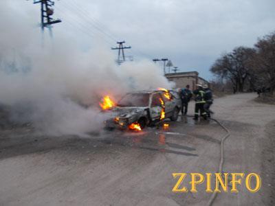 В Запорожье на Шевченковском сгорел автомобиль