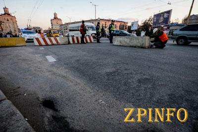 В Запорожье обратили внимание на многолетние разрушения моста в центре города