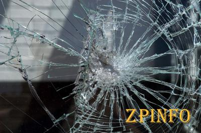В Запорожье обстреляли авто с ребенком