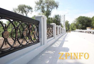 В Запорожье открывают мост