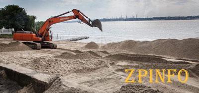 В Запорожье перекопали пляж