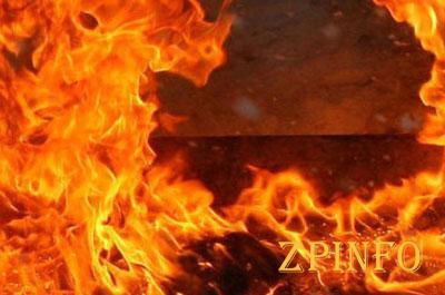 В Запорожье подожгли вход в кафетерий