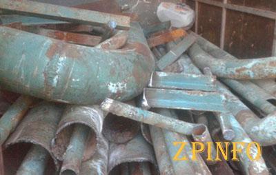 В Запорожье поймали «металлистов» с 2,5 тоннами труб