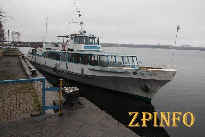 В Запорожье пригородную речную навигацию продлили до ноября