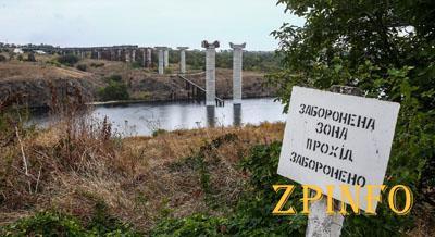 В Запорожье рабочие приступили к строительству мостов