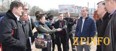 В Запорожье ремонт коллектора на Набережной обещают закончить в конце июня