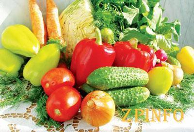 В Запорожье резко дешевеют сезонные овощи и фрукты, но дорожают яйца