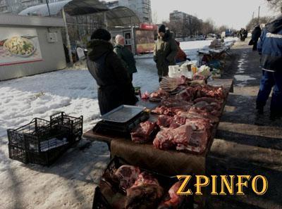 В Запорожье штрафуют за стихийную торговлю мясом