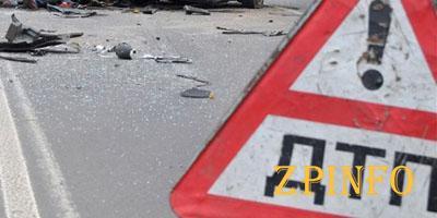 В Запорожье столкнулись три авто, есть пострадавшие