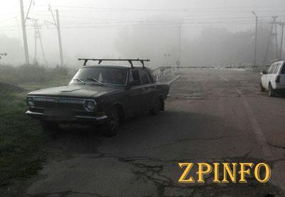 В Запорожье водитель снёс шлагбаум